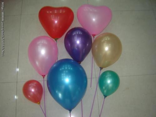 一根长气球编玫瑰花步骤图