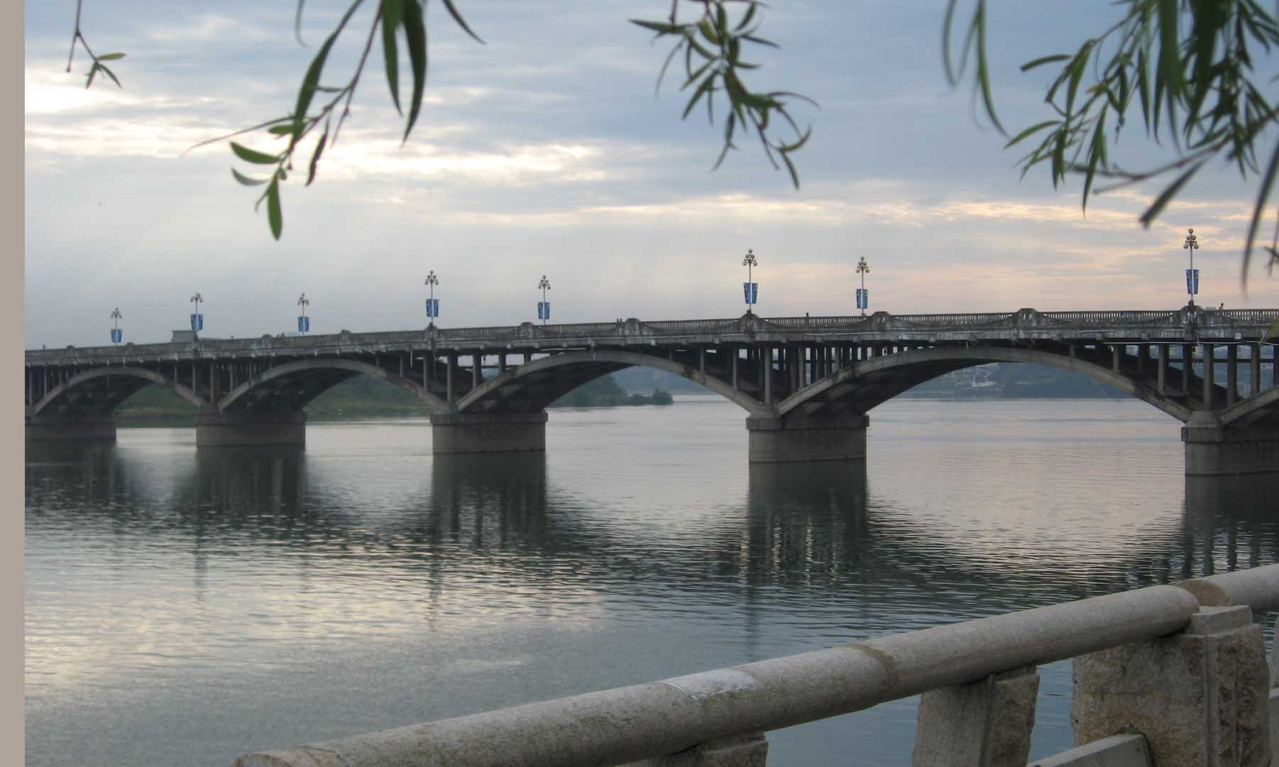 纸桥模型设计步