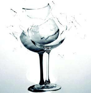 【江南散文】一只透明的玻璃杯图片
