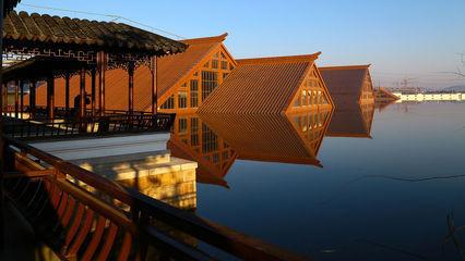 现代木头屋檐图片