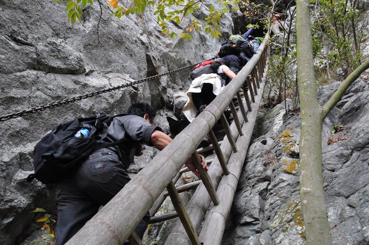 划岩山的来历有凄美的传说故事.