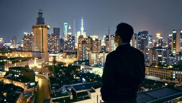 【风恋】仰望,一座城市的月光(外三首)