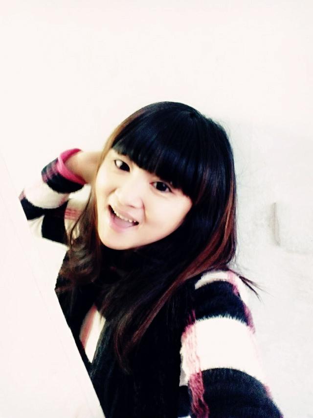 那是一个多么可爱的外国小女孩呀