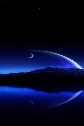 弯弯的月亮洒下道道清辉