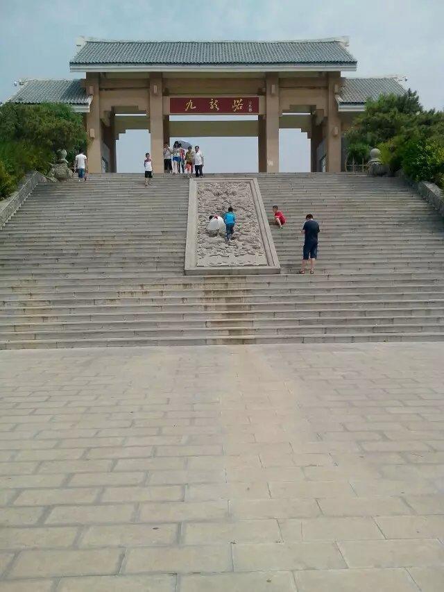 在青州除了仰天山国家森林公园和泰和山风景区,树多就属九龙峪了.