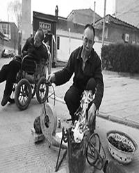 【故事】卖爆米花的老人