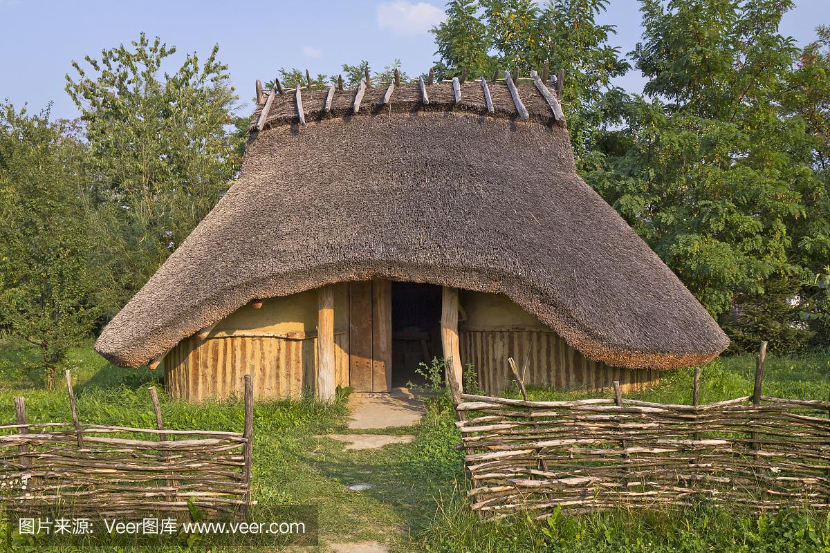 【丹枫】看得见阳光的小屋(散文)