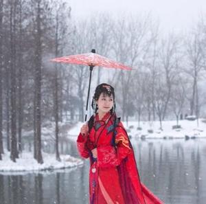 【如云】四月雪(外三首)
