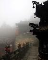 在朝雾濛濛...
